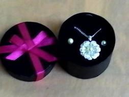Avon lush blossom pearl necklace and earrings Gift set plus